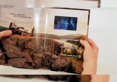 Já pensou assistir a um vídeo dentro de uma revista impressa?