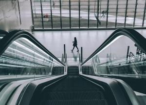 escada rolante - automatizar processos na agência